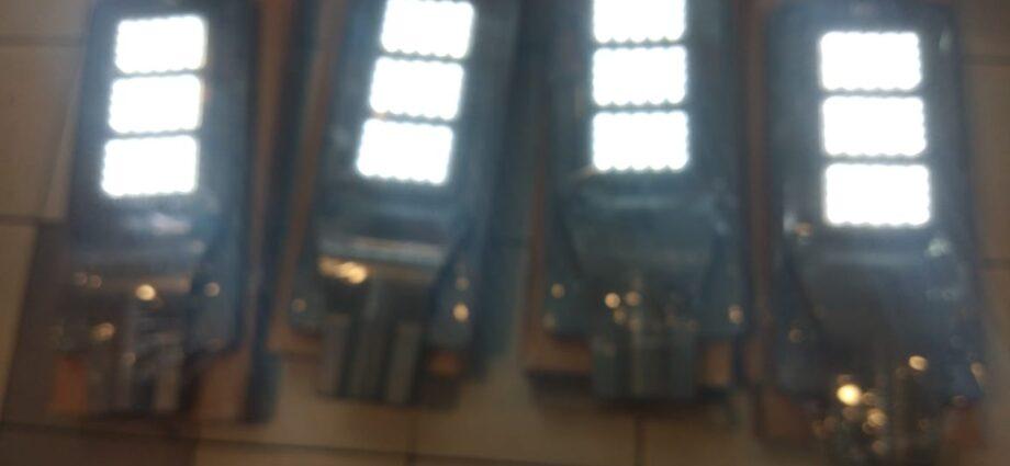 Jual Lampu Penerangan Jalan Umum PJU LED Solar Cell Beserta Paket Tiang Hub 081318282830